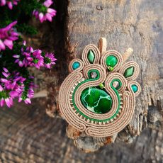 zawieszka sutasz z zielonym jaspisem cesarskim