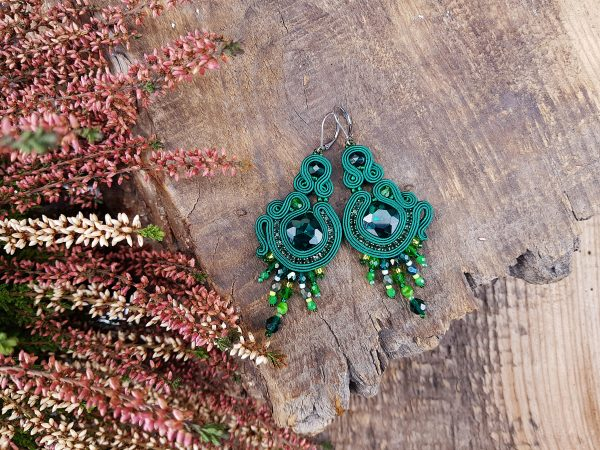 kolczyki sutasz zielone z koralikami i kryształkami